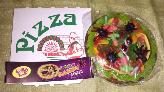 spooky candy pizza look o look