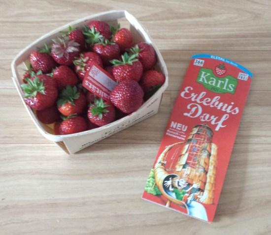 karls erdbeeren und flyer