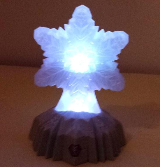 die-eiskoenigin-beleuchteter-stern