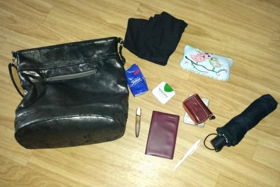 handtaschen-blogparade-inhalt-handtasche