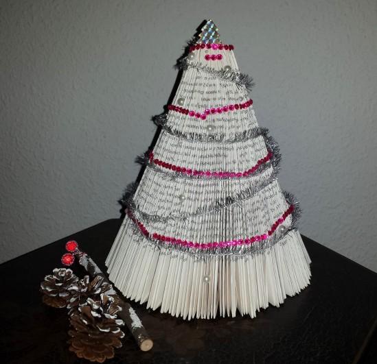 bücher falten weihnachtsbaum